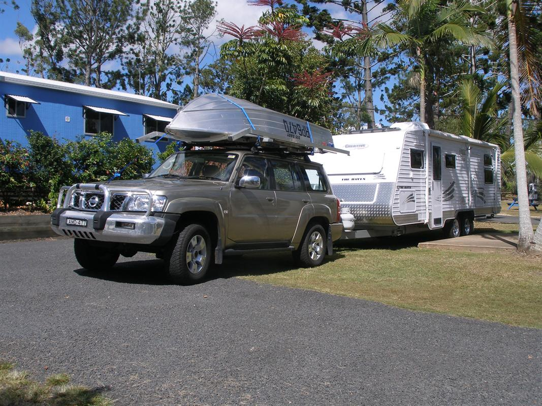 Car and Caravan at Lake Tinnaroo Caravan Park!